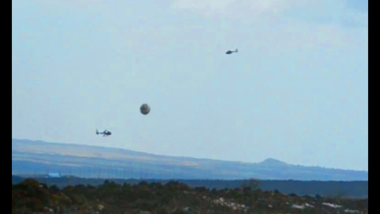 Breaking News UFO Sightings Helicopters Surround UFO ...