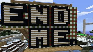 I asked 100 Minecraft Players to build Santa's Amazon Warehouse