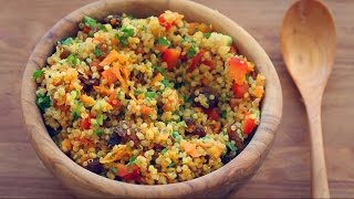 BEST QUINOA SALAD RECIPE EVER!  (Colourful mint + turmeric salad) thumbnail