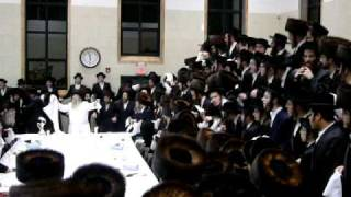 Dancing Nikolsburg Motzai Yom Kippur 5769