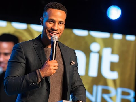 Finding Success in Hollywood God's Way - DeVon Franklin