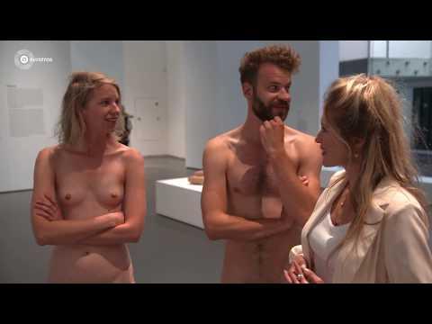 Naakt poseren in het museum met Lauren Verster | Lauren! from YouTube · Duration:  59 seconds