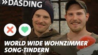 Gambar cover Song-Tindern: World Wide Wohnzimmer – Erkennst und Likest DU den Song? | DASDING Interview
