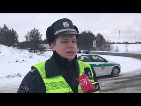 Utenos apskrities Kelių policijos pareigūnas Gediminas Kviklys. LRT aplink Lietuvą