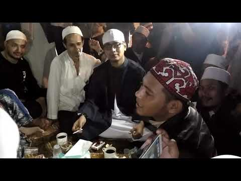 Bernyanyi bersama Habib bahar bin ali bin smith dan para habaib lainnya