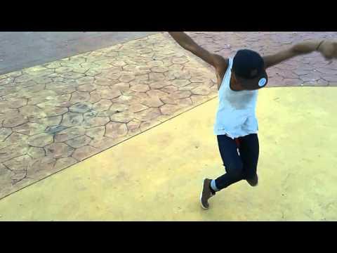 Mr.SwaG Batam Dougie Freestyle Dance..