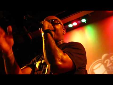 """Bad Meets Evil - Royce Da 5'9"""" - Above The Law ( LIVE)"""