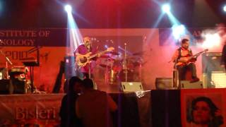 Bande(Live)-- Indian Ocean At Amity University