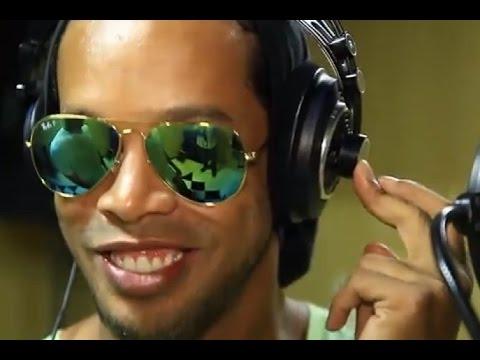 Ronaldinho sort le single Sozinho