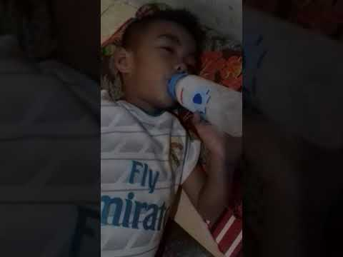 Gak kuat ngantuk tapi pengen mimi susu