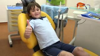 Лечить зубки совсем не страшно!(На детском приеме можно посмотреть любимые мультики, выбрать цвет пломбы, поиграть в детской комнате. Детс..., 2014-08-07T11:38:32.000Z)