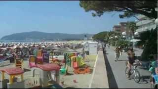 San Bartolomeo al Mare - la spiaggia ed il lungomare