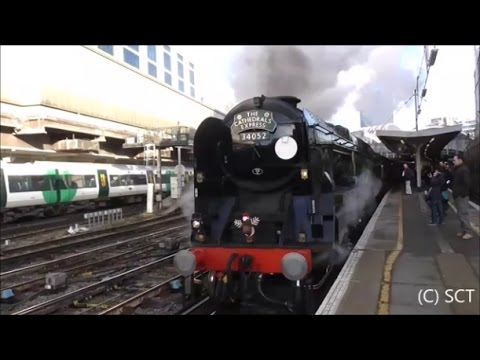 Trains @ London Victoria Railway Station - 22nd December 2016