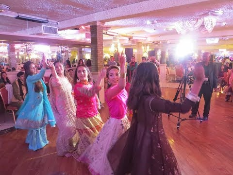 BEST PAKISTANI MEHNDI DANCE 2018 | Freeha and Salman