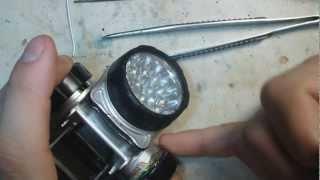 Ставимо в ліхтарик потужний акумулятор We put in a flashlight powerful battery