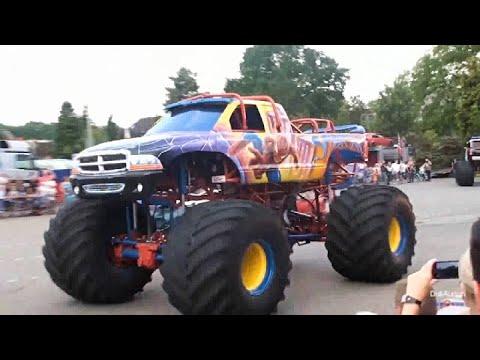 monstertruckshow-action-unterhaltung-monster-trucks-stunt-show-freestyle-monstershow-crash-team