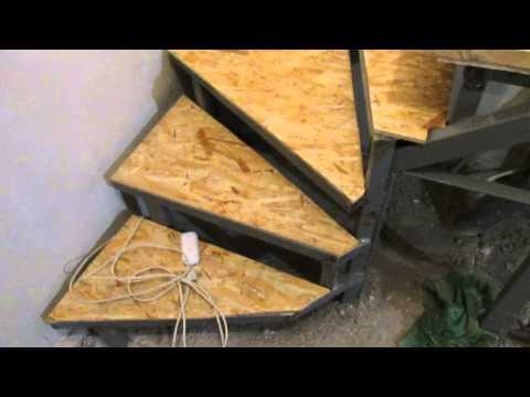 видео: steps of the second floor, with his hands.  Деревянные ступеньки на второй этаж, своими руками,