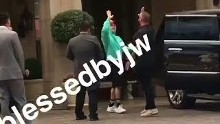 Justin Bieber with guitar leaving hotel in Beverly Hills, California - September 1, 2018