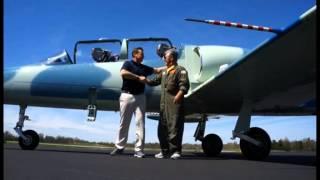 WLKY's Rick Van Hoose flies in L-39 Albatros