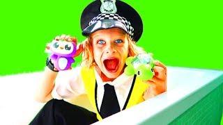 Gambar cover BATH TIME FUN BIGGY POLICEMAN Pretend Play w/ The Norris Nuts