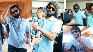 അർജുൻ റെഡ്ഢി കൊച്ചി വിമാനത്താവളത്തിൽ | Vijay Devarakonda At Kochi Airport