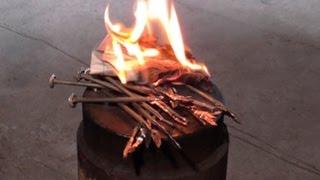как разжечь огонь ГВОЗДЕМ !!!
