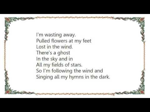 Houses - The Beauty Surrounds Lyrics