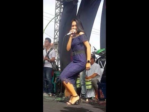 Vita Alvia- Kedanan- live onE nada music
