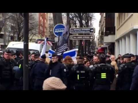 Police Stop Pro Israeli Protesters at UN Mideast Peace Conference Paris