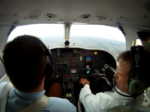 Go around ohne Displays und Right Engine failure Citation 1