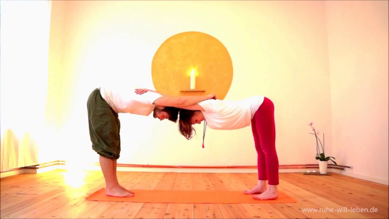 Partneryoga - Yoga zu zweit | Halt geben - YouTube