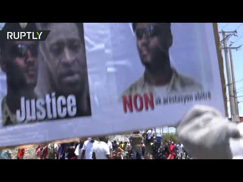 Police for George Floyd | Haitian officers tear-gassed at rally