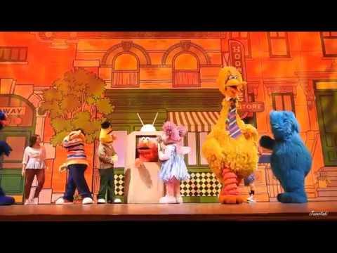Elmo's TV Time at Universal Studios Singapore
