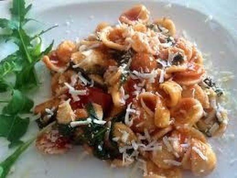 Orecchiette con broccoli olive e ricotta Quick recipe Orecchiette with broccoli olive sandricotta