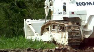 JMASアンゴラで活動中の地雷除去機.