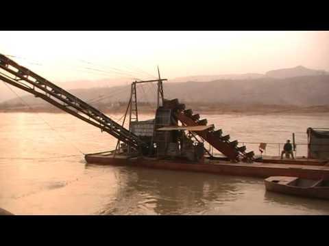 bucket ladder sand dredger is working.-----(whatsapp:0086-18363682790)