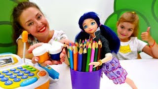 Маринетт покупает карандаши и тетради для школы - Видео для девочек.