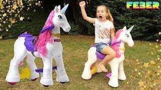 Ellie chevauche une licorne électrique ! Poney pour enfant - Electric Unicorn ! FEBER FAMOSA