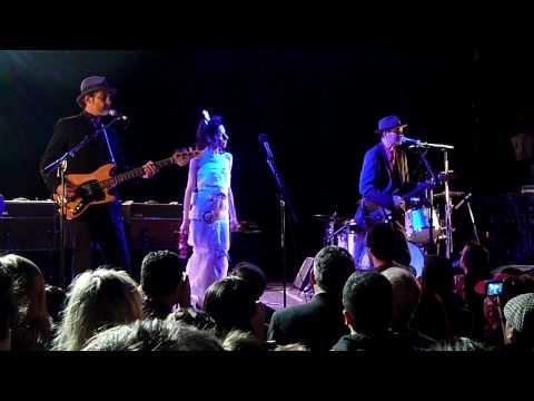 PJ Harvey & John Parish - False Fire [Live]