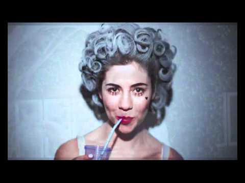 Marina and the Diamonds Primadonna acoustic