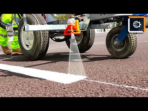 Как рисуют разметку на дорогах видео