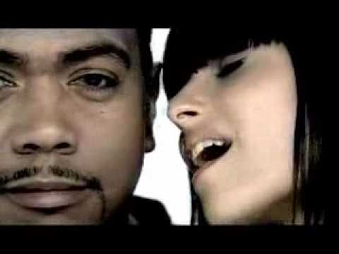 Nelly Furtado Feat Akon Smack That Right  Music