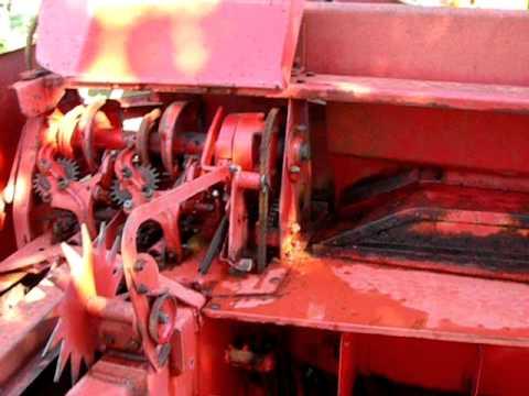 Tracteur D22 Et Presse Mf 20 8 Youtube