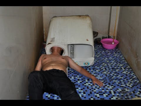 Man Rescued after Head Stuck in Washing Machine in East China