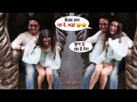 Tiger Shroff Helps Shraddha Kapoor In Awkward Moments At Baaghi 3 Promotion | Sweet Gesture By Him
