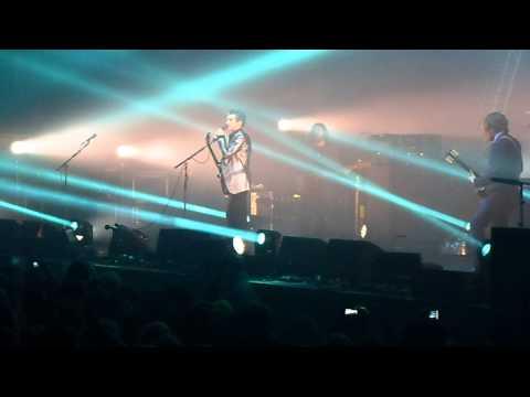 Arctic Monkeys Concert Zenith Paris. 8.11.'13