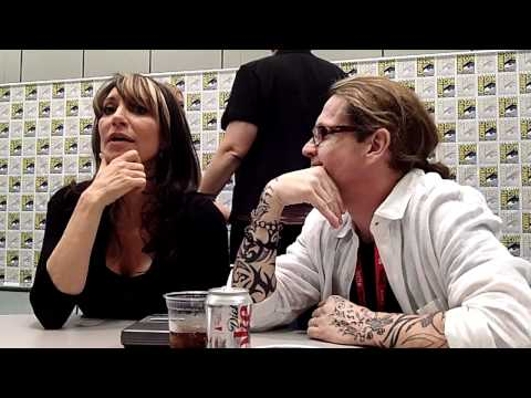 Katey Sagal & Kurt Sutter Talk Sons of Anarchy at Comic-Con 2011