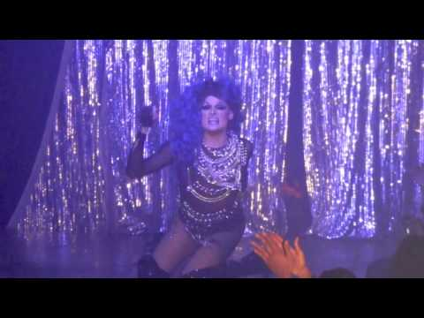 "Rhea Litre: ""La La"" @ Showgirls!"