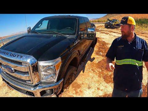 Super Duty Super Stuck - Mud Pit