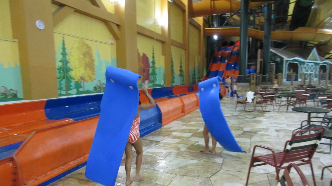 great wolf lodge waterpark wisconsin dells day 1 vlog. Black Bedroom Furniture Sets. Home Design Ideas